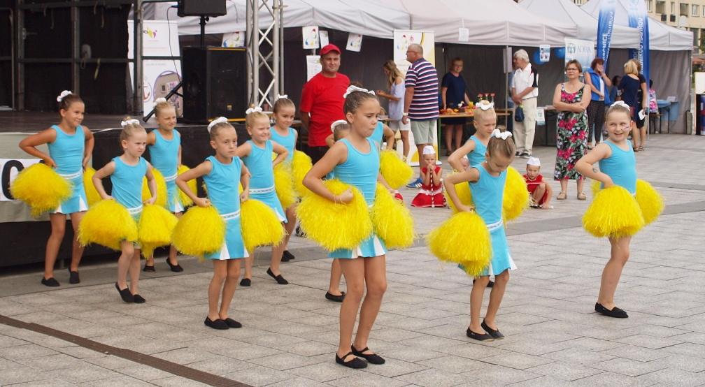 Mažoretky tančily na Dni sociálních služeb