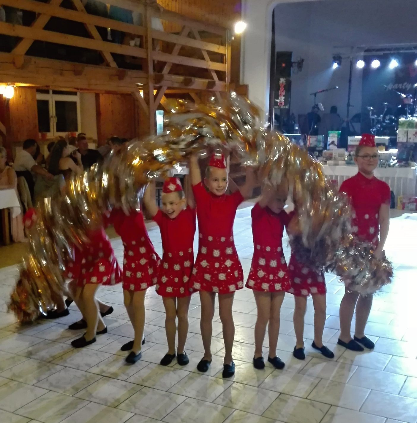 Mažoretky na plese u Jelena – listopad 2018