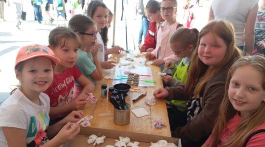 Velikonoční městečko jsme podpořili aktivitami pro děti i rodiče a tanečním vystoupením